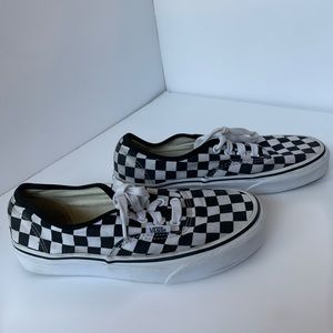 Vans checkerboard lace up sneakers, size 6.5
